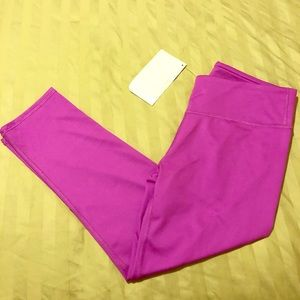 NWT fabletics crops size xs